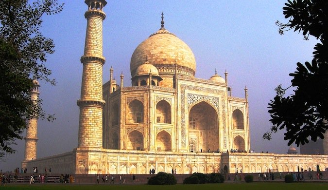 taj mahal is a cheap place to travel