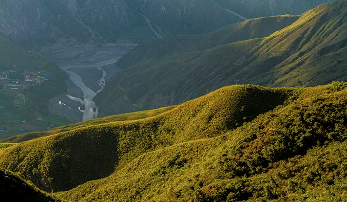 mountains around San Gil, Colombia, overlooking a river valley; photo by Sergio Fabara Muñoz (flickr:@kinofabara)