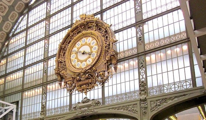 iconic clock at musee d%image_alt%27Orsay