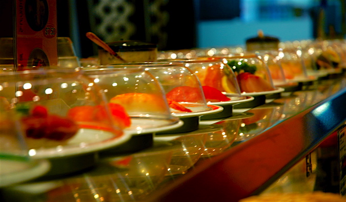 Eat cheap in Sydney by trying a sushi train