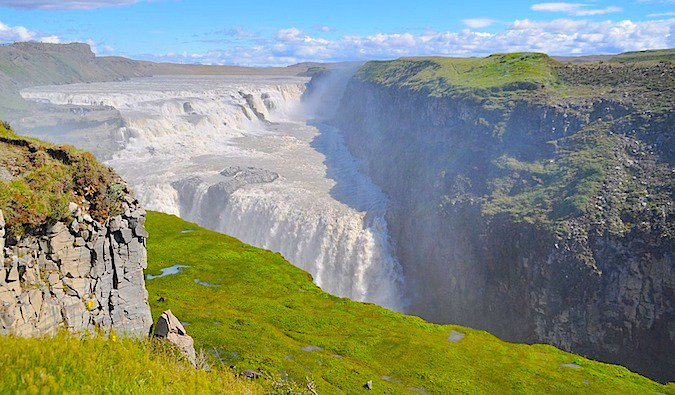 A sunny day at Iceland%image_alt%27s most famous waterfall, Gullfoss