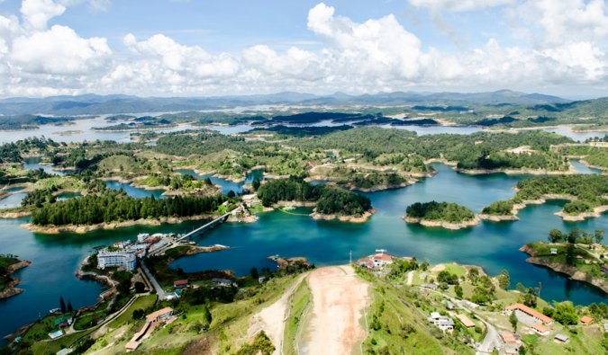 the view overlooking Guatapé in Colombia on a sunny summer day